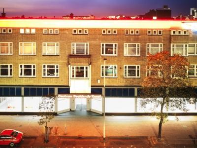 Toni Burgering - CBK Rotterdam - Nieuwe Binnenweg